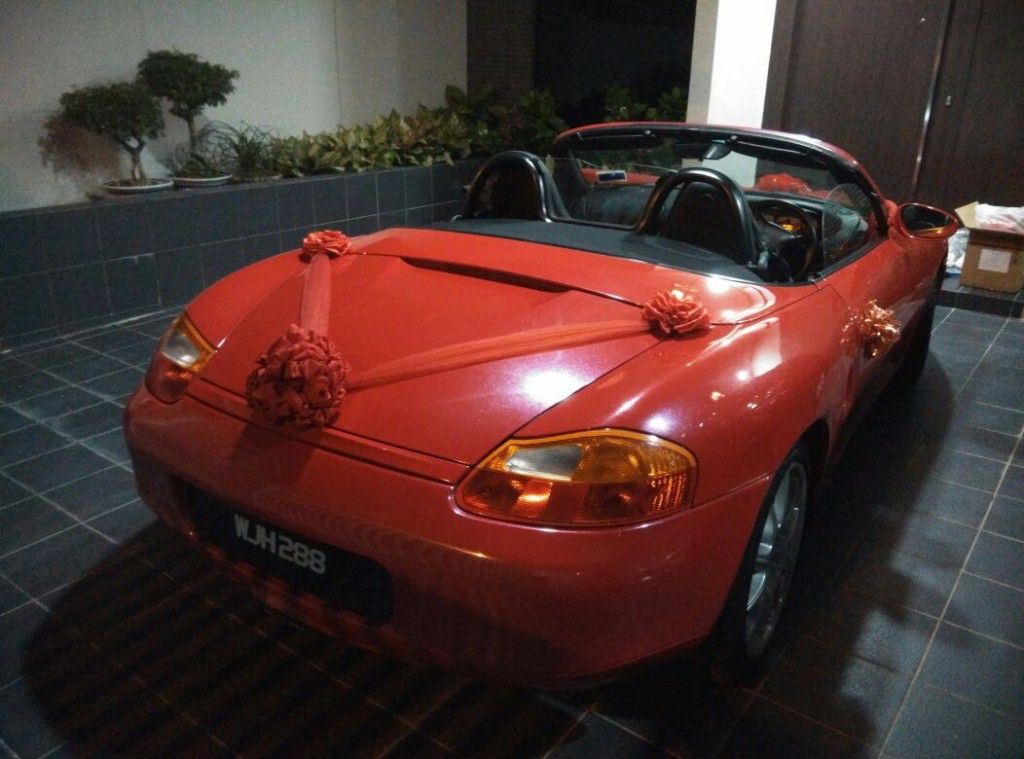 red Wedding car porsche back