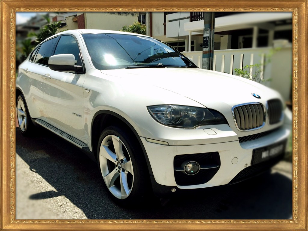 BMW X6 Front right_Fotor