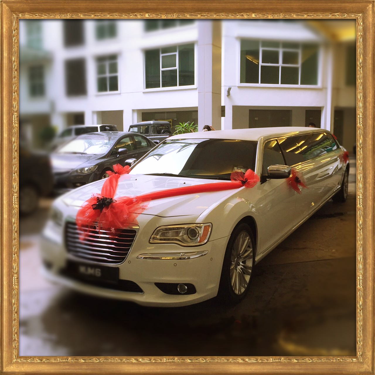 Chrysler Wedding Limousine Front_Fotor