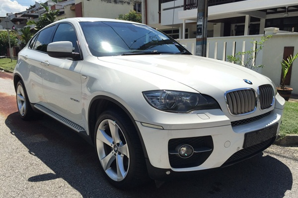 BMW X6 Front right cropped-crop2